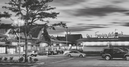 Advertise Your Brand at Retail Shopping Parks