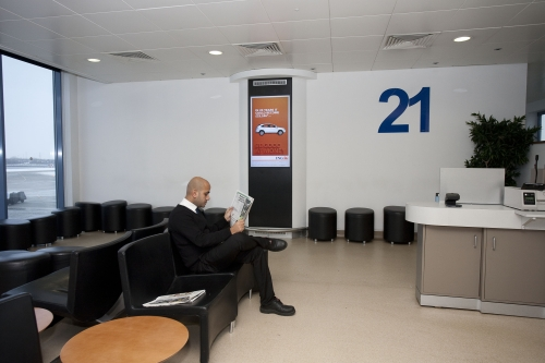 Advertise on London City Airport's Gate Lounge Digital Network